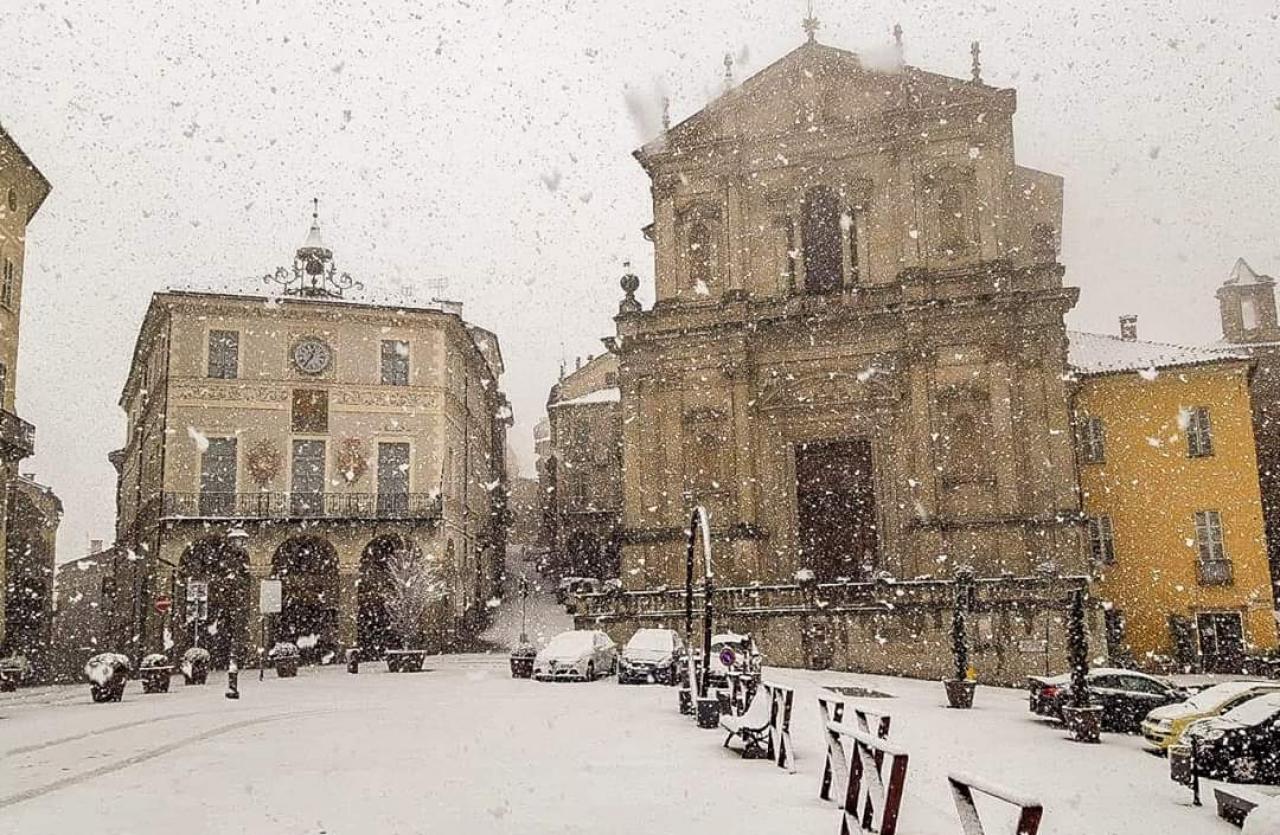 Spettacolare nevicata a Mondovì alta: foto via fb di UNIONE MONREGALESE