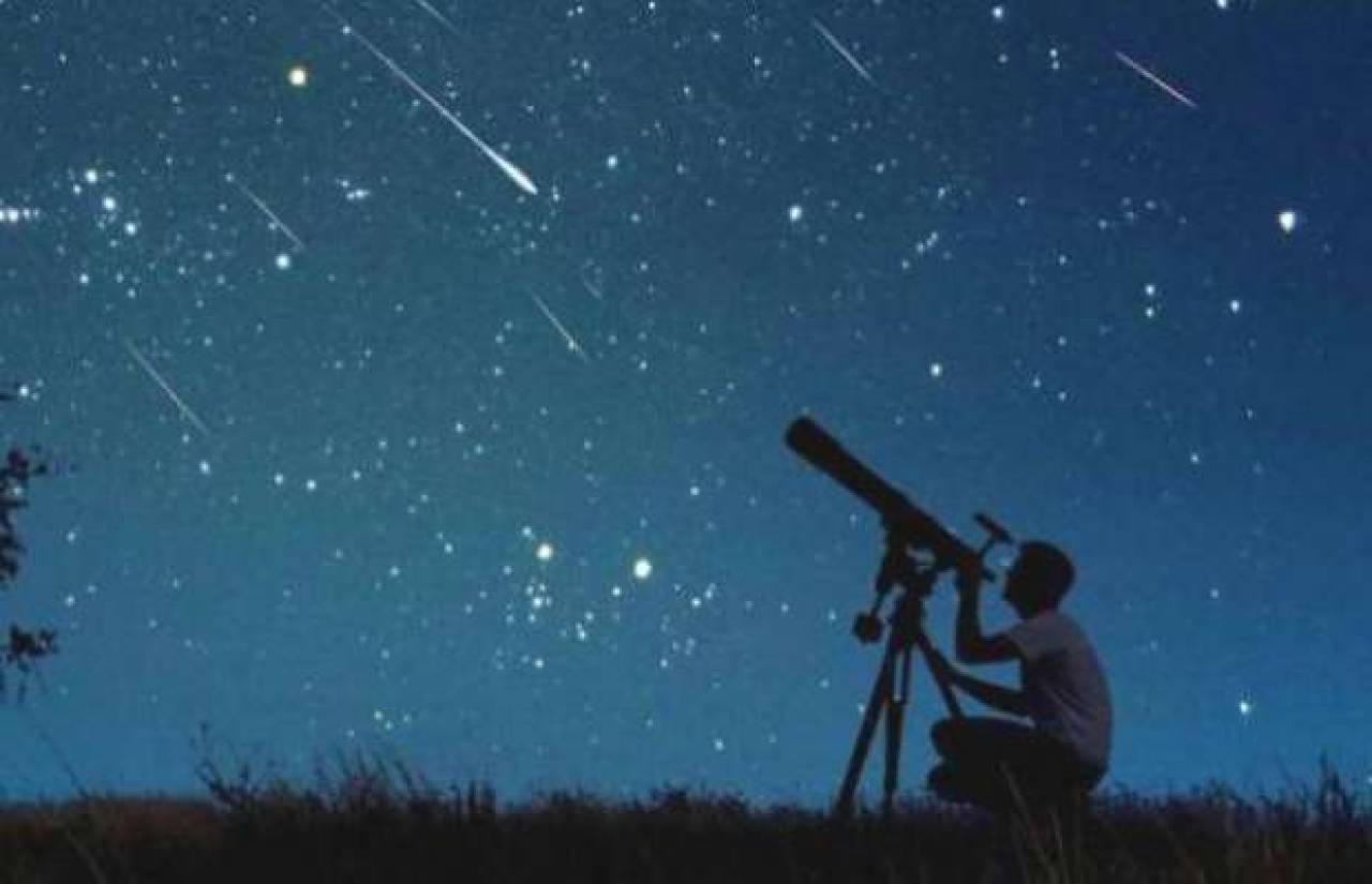Cielo di ottobre 2014 sole luna pianeti e costellazioni for 3 stelle arreda beinasco