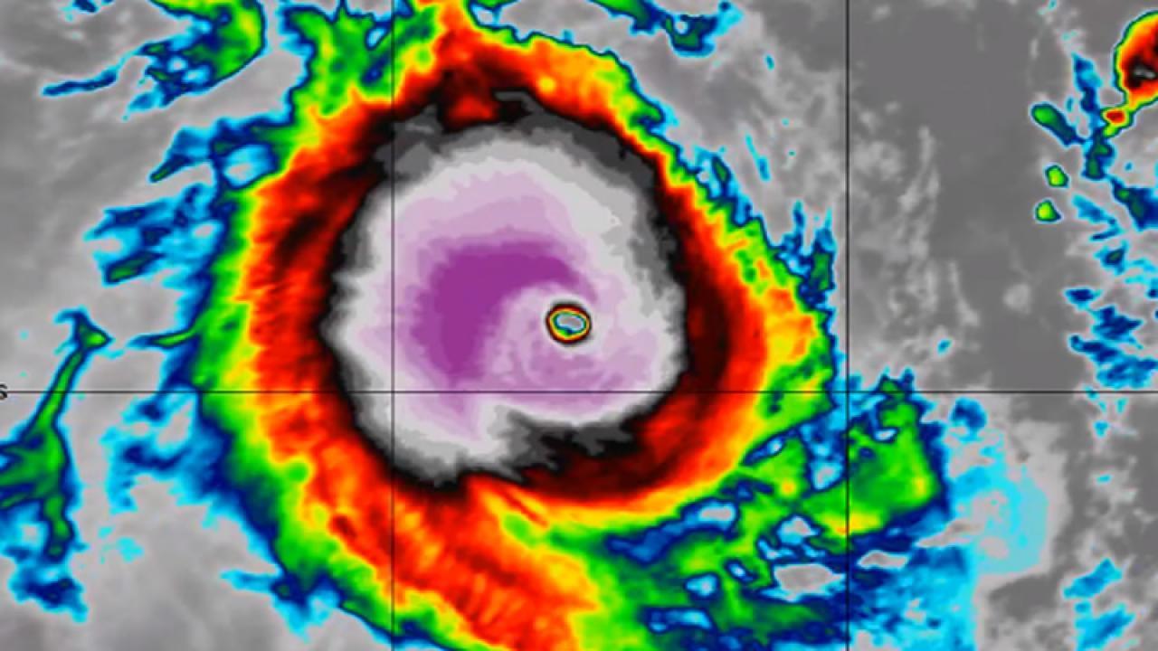 super ciclone Faraji sull'Oceano Indiano
