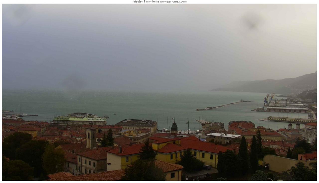 Trieste: maltempo con Bora a 100km/h