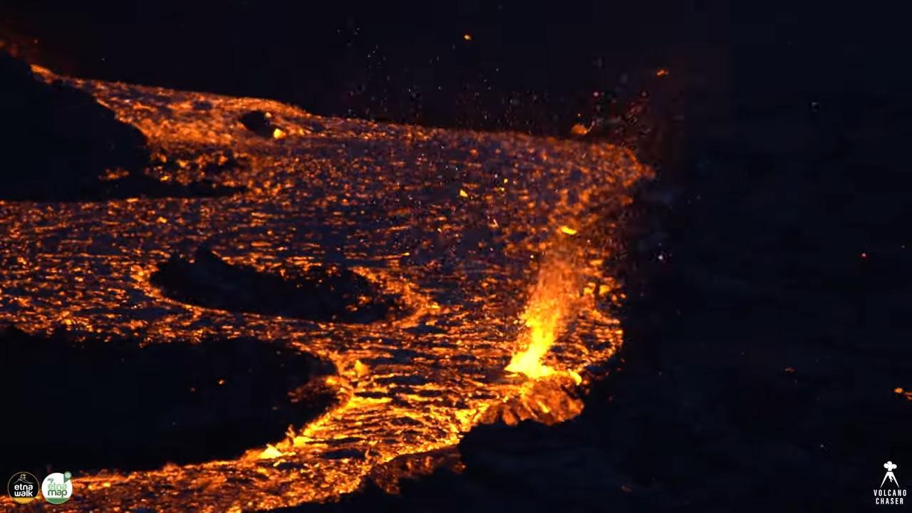 Un tornado di lava in Islanda