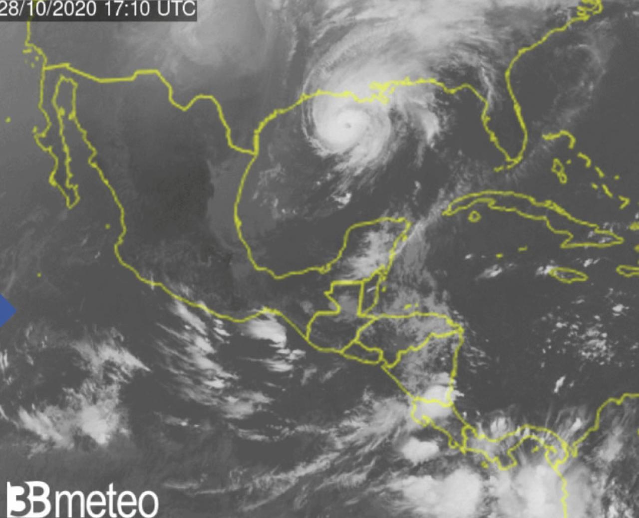 uragano Zeta imminente landfall