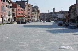 Ghiaccia la laguna di Venezia