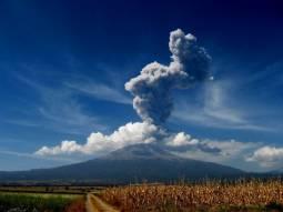 Recente attività del vulcano Popocatepetl in Messico