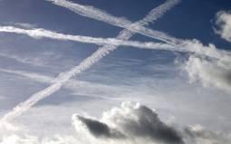 Scie di condensazione prodotta dagli aerei