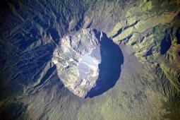 Il Tambora visto dall'alto