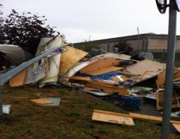 Alcuni danni causati dalla tromba d'aria (fonte: forum Centro Meteo Lombardo)