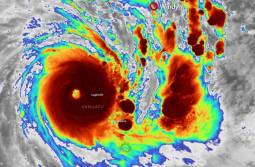 CICLONE HAROLD sulle Vanuatu come CATEGORIA 5, venti fino a 240 km/h [FOTO e VIDEO]