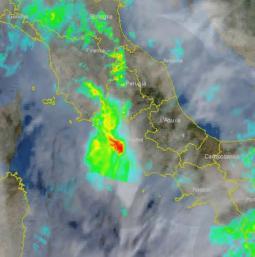Ecco il nucleo rosso del radar, che evidenzia il violento temporale su Fiumicino