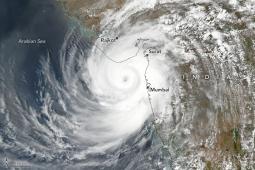 India, ciclone Tauktae in azione, 21 morti e un centinaio di dispersi. Tra i più forti sul Mare Arabico
