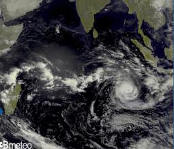Ciclone tropicale Marian si intensifica, raggiungerà cat.3 nei prossimi giorni