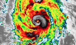 MESSICO: massima allerta meteo per l arrivo dell URAGANO WILLA