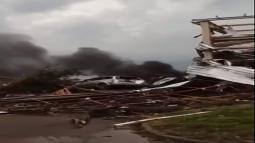 Cronaca Meteo. Repubblica Ceca, violento TORNADO devasta Hodonin, VIDEO