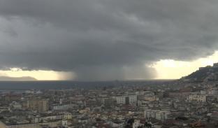 METEO Campania. Maltempo in arrivo con piogge e temporali, neve in calo fino a quote collinari. Freddo
