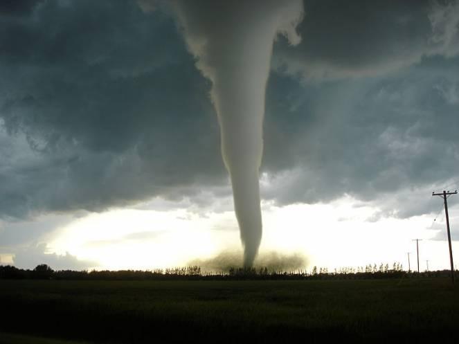 100 tornado all'anno colpiscono l'Italia
