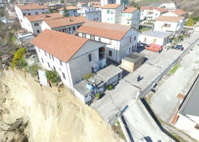 Frane: peggiora la situazione nella frazione Castelnuovo di Campli