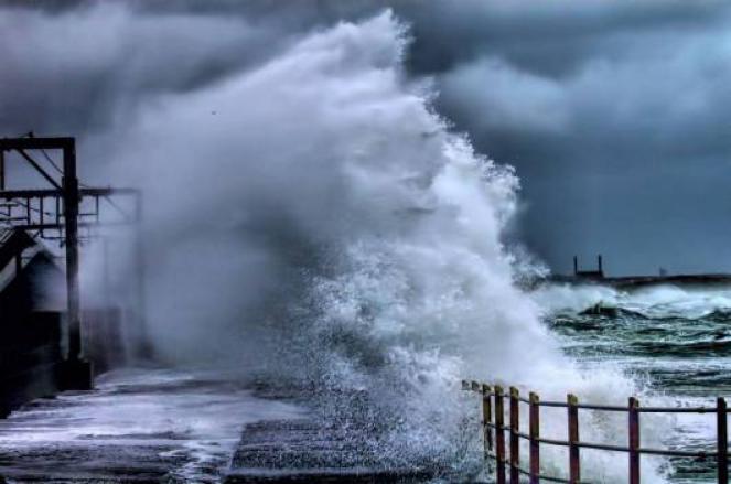 Allerta meteo, in arrivo forti venti di burrasca su Bari