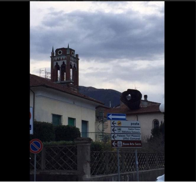 Camaiore (LU) Chiesa di San Rocco senza più il campanile