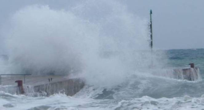 L'uragano Friederike flagella il Nord Europa: 5 morti
