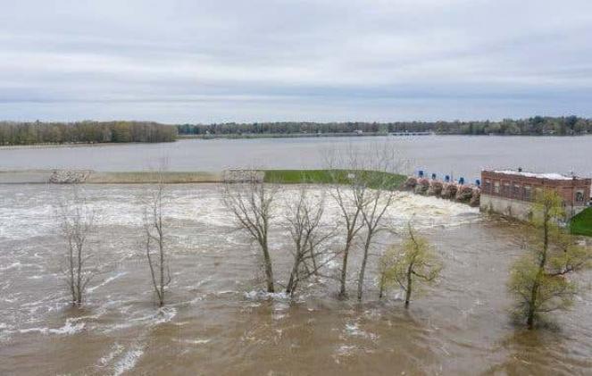 Danni a due dighe nel Michigan per le forti piogge (Fonte: tounesnanews.com)