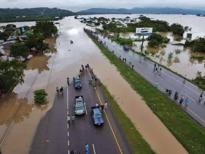 Devastazioni nel Nicaragua dopo il passaggio dell uragano Iota (Fonte: @H_NAILI via Twitter)