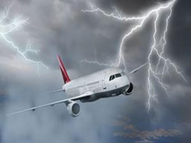 Ogni anno secondo le statistiche, un aereo viene colpito almeno una volta da un fulmine.