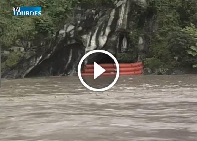 Esonda il fiume vicino alla Grotta di Lourdes
