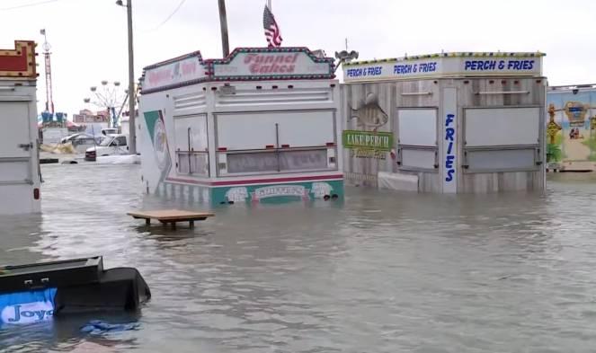 Esonda il lago Erie, inondate le città costiere dell'Ohio