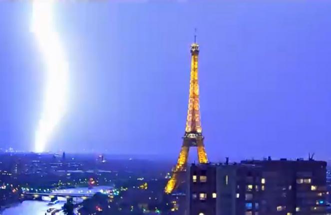 Forte temporale a Parigi