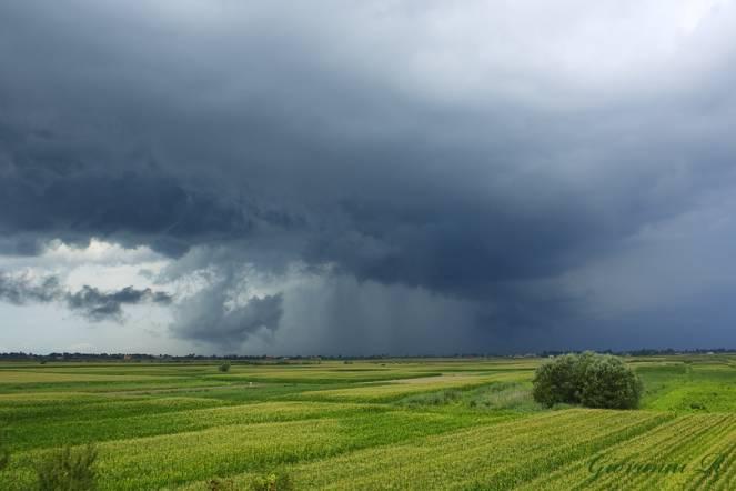 Forti temporali in arrivo sul Regno Unito, Francia e poi anche sul Nord Italia