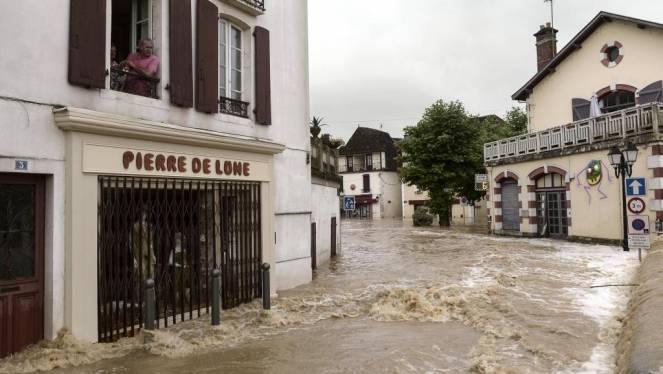 Francia meridionale e Spagna orientale, forte maltempo, attesi nubifragi e alluvioni