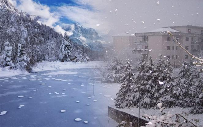 Gelo intenso al Nord, neve fino a bassa quota al Centro Sud