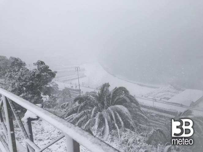 Genova sotto la bufera di neve