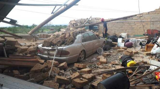 I danni causati dal passaggio di un probabile tornado a nord di Viterbo. Fonte Tuscianews