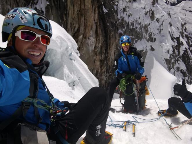 I ragazzi durante la scalata