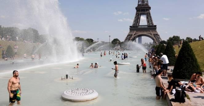 Il caldo estremo di Parigi ha le ore contate, termometri giu di 20°C nel corso del weekend