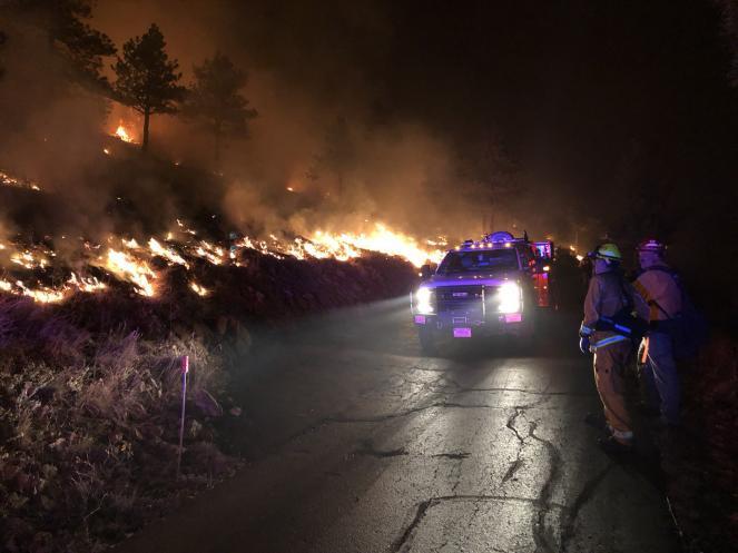 Il Calwood fire nel Colorado (Fonte: WestMetroFire via Twitter)