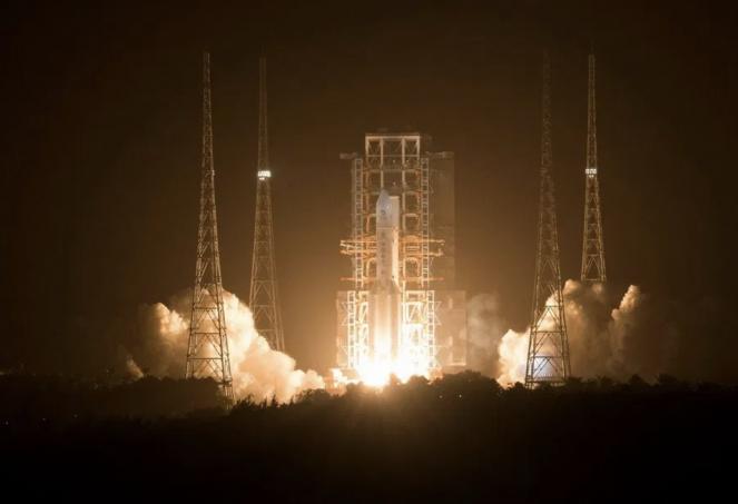 Il lancio di Chang e 5 (Fonte: Kornkt via Twitter)