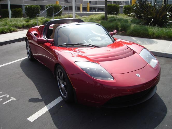 Il particolare carico del Falcon Heavy una Tesla Roadster