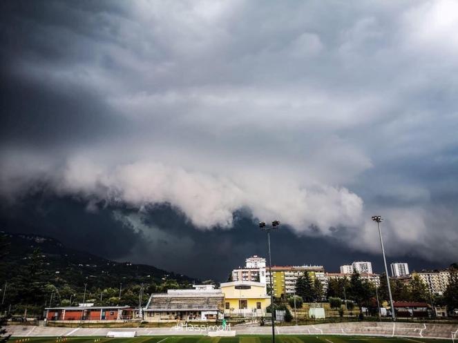 Il temporale di giovedì ad Ascoli (Foto di Massimo Mindoli)