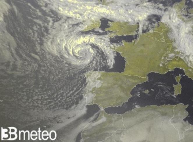 Il vortice sul Golfo di Biscaglia visto dal satellite