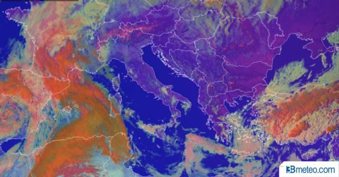 Cartina Satellitare Lombardia.Foto Satellite Le Immagini Satellitari In Tempo Reale Sull Italia E Nel Mondo 3b Meteo