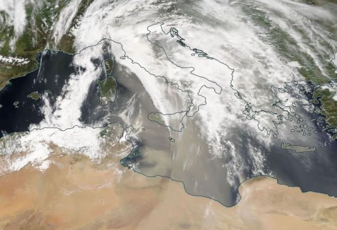 Immagine sat di oggi ore 13 che mostra l'arrivo della sabbia dall'Africa