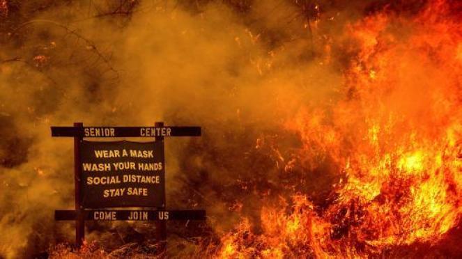 Incendi USA in un'immagine di archivio