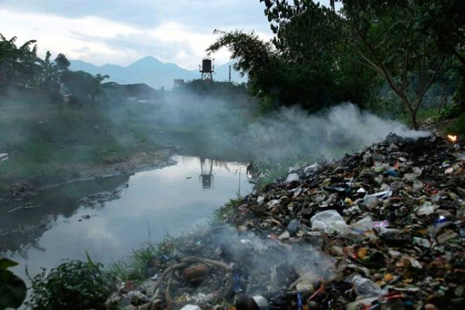Incendio negli impianti di smaltimento dei rifiuti