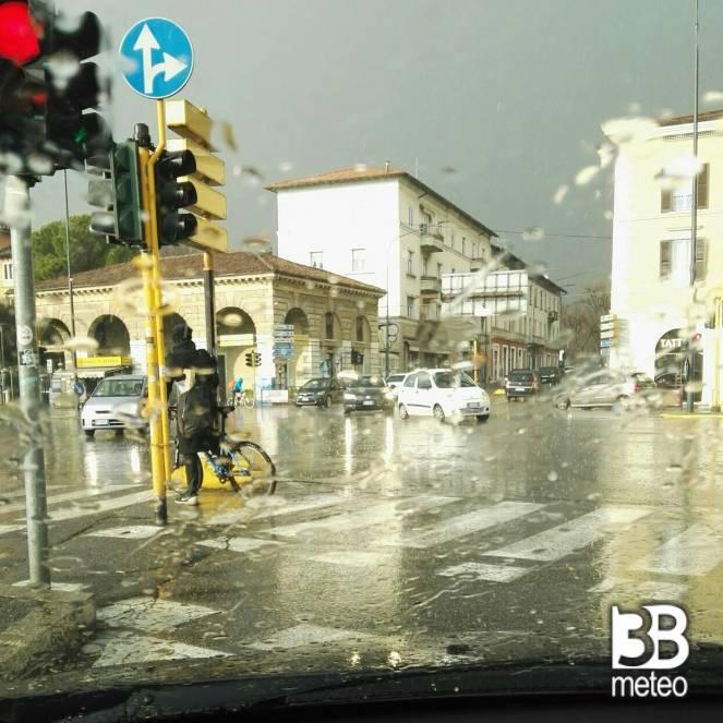 L'acquazzone che ha interessato Brescia