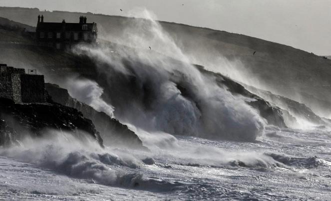 L'Inghilterra si prepara per l'arrivo della Tempesta Yap