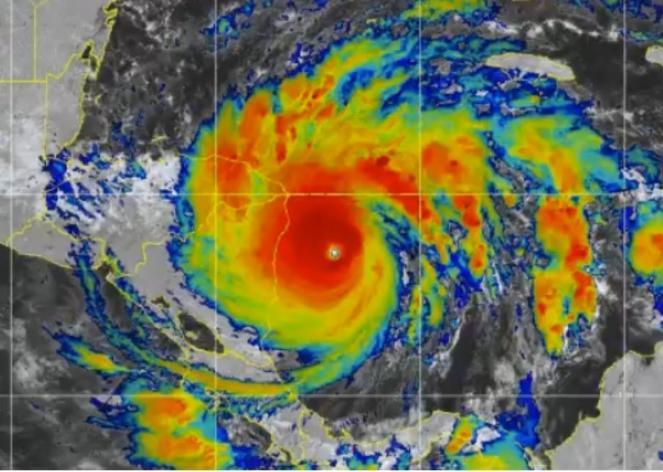 L uragano Iota visto dal satellite in prossimità del landfall sul Nicaragua