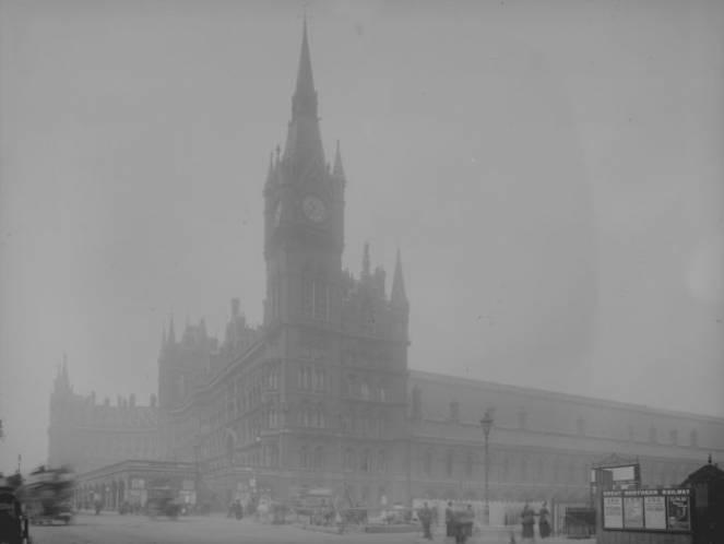 La nebbia killer del 1952 a Londra uccise migliaia di persone