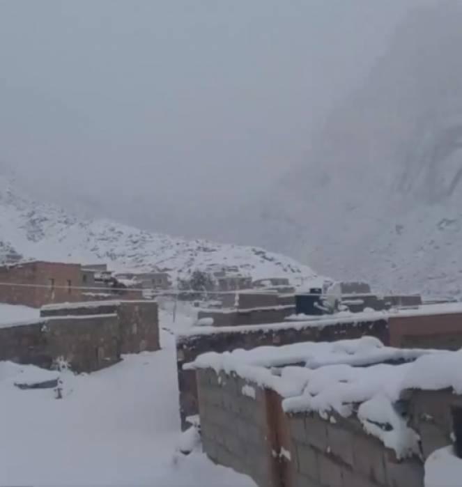 La neve raggiunge il deserto del Sinai